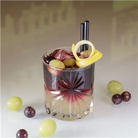 Bar am Park - Cocktail with grapes